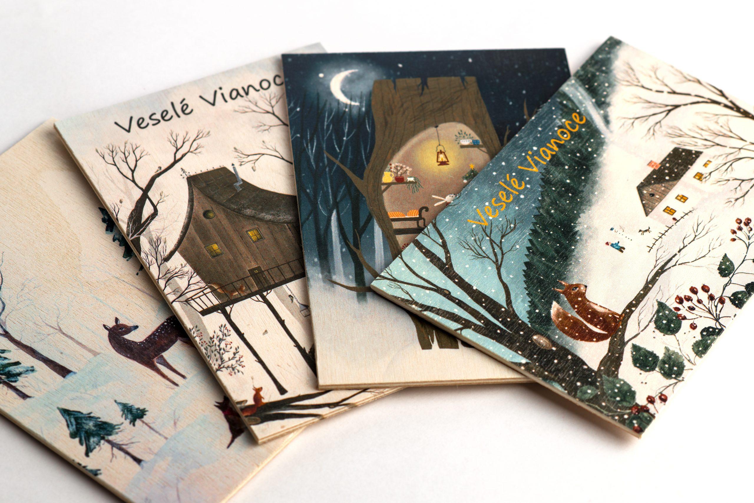 Vianočná pohľadnica z dreva